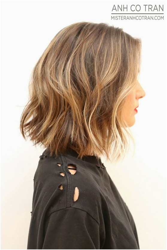 medium choppy wavy bob hairstyle for women