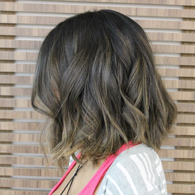medium legnth messy bob haircut for thick hair