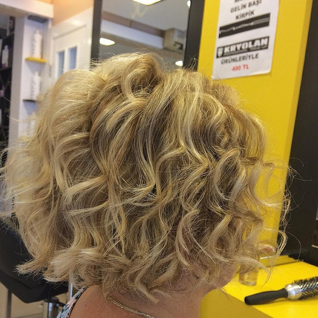 short curly stacked bob hairstyle