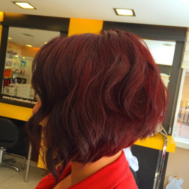short red wavy stacked bob hairstyle for thick hair