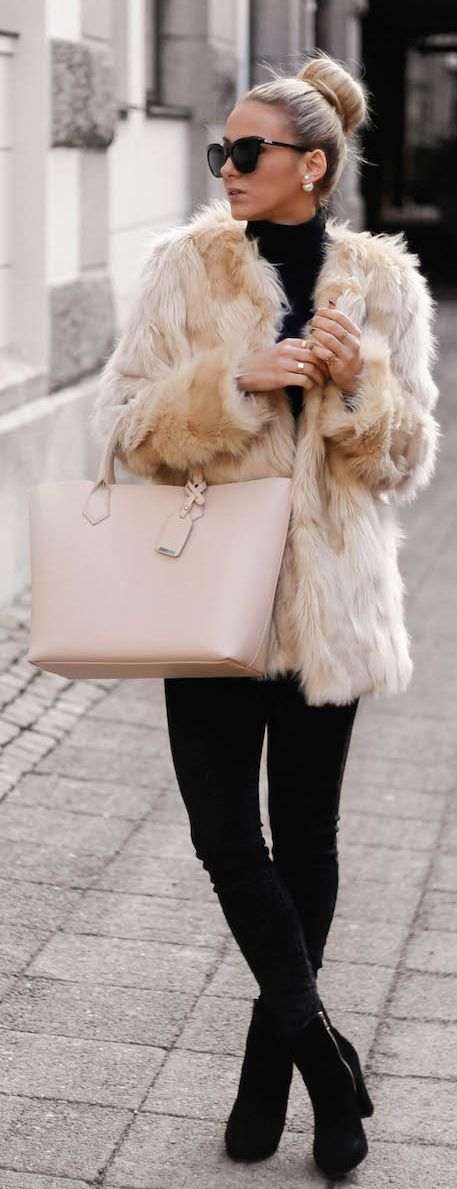23 Chic Ways to Wear Faux Fur Coats - Pretty Designs