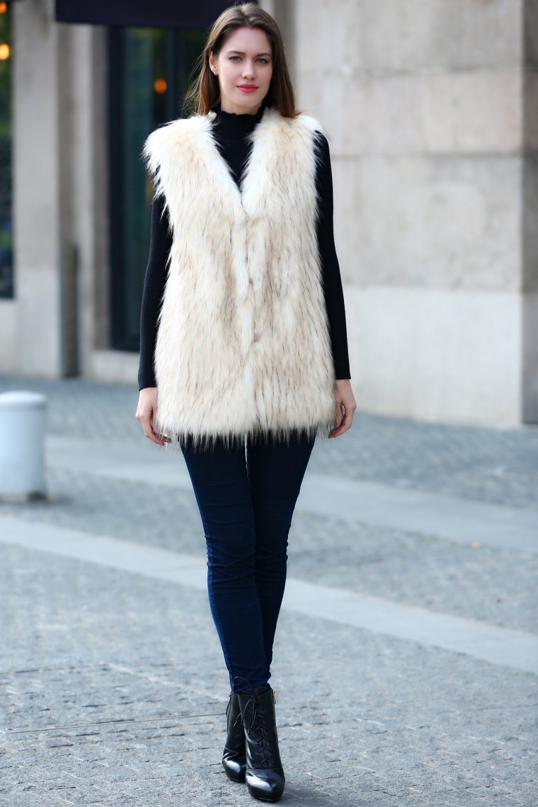 Creamy Faux Fur Vest