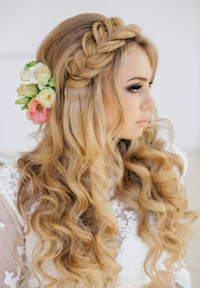23 glamorous bridal hairstyles with flowers pretty designs. Black Bedroom Furniture Sets. Home Design Ideas