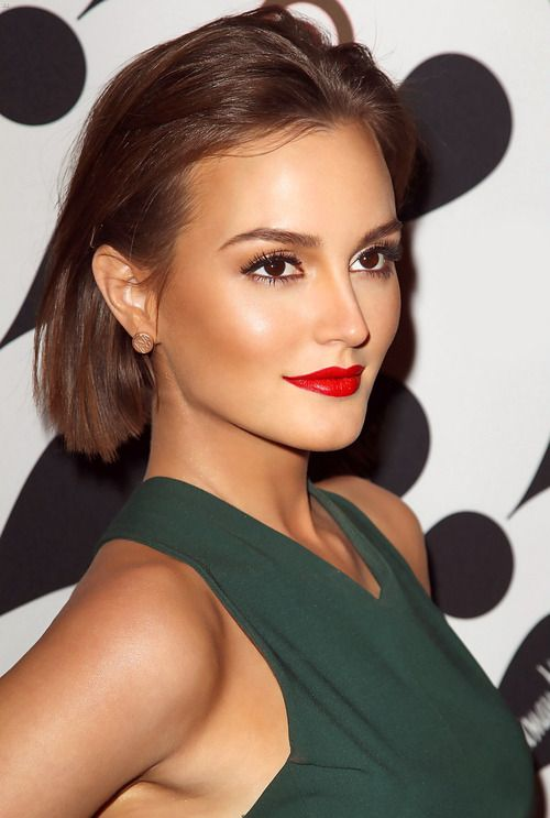 Holiday Makeup and Hairstyle Idea
