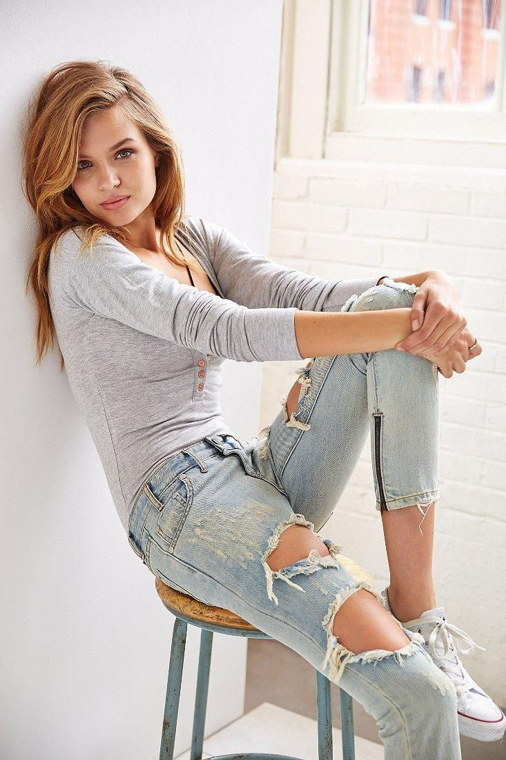 Light Color Ripped Jeans