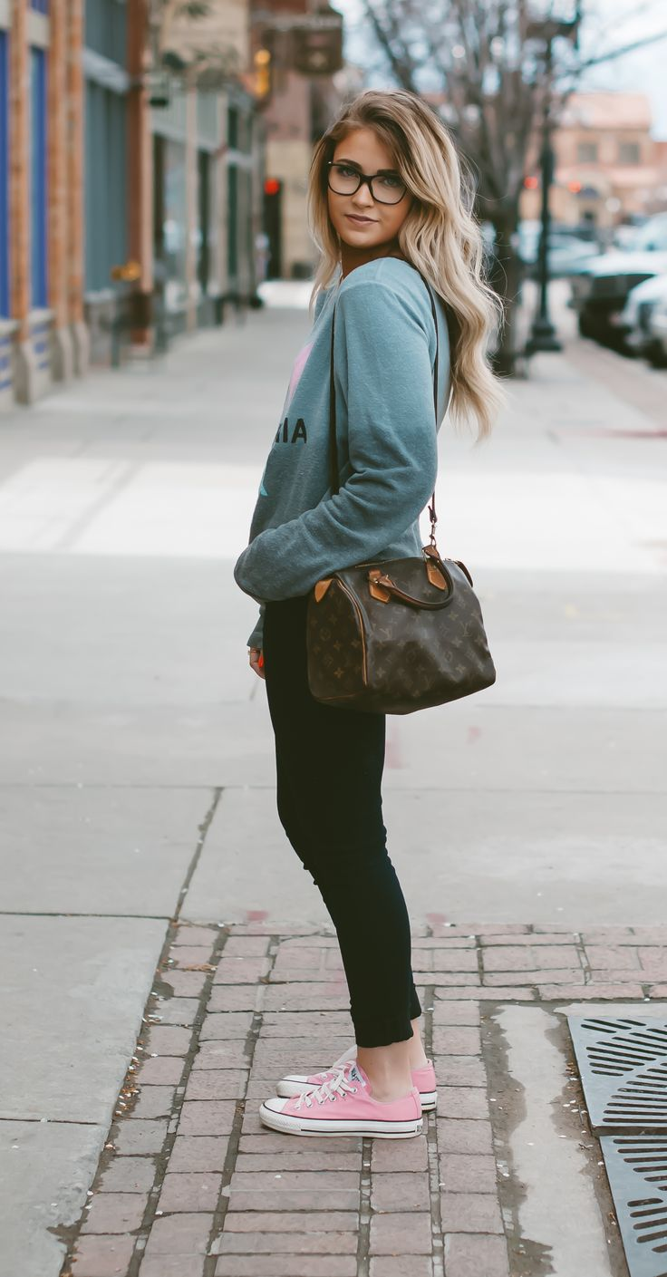 20 Super Casual Styles with Sneakers - Pretty Designs
