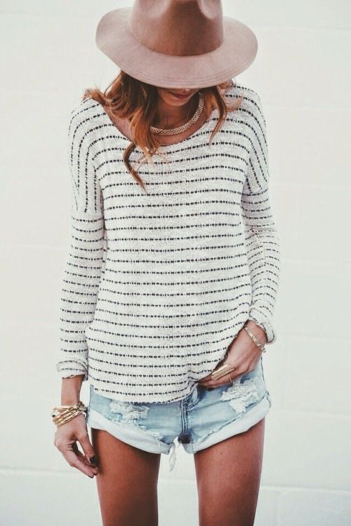 805e44b760 20 Light Sweater Styles to Pop up Your Looks - Pretty Designs