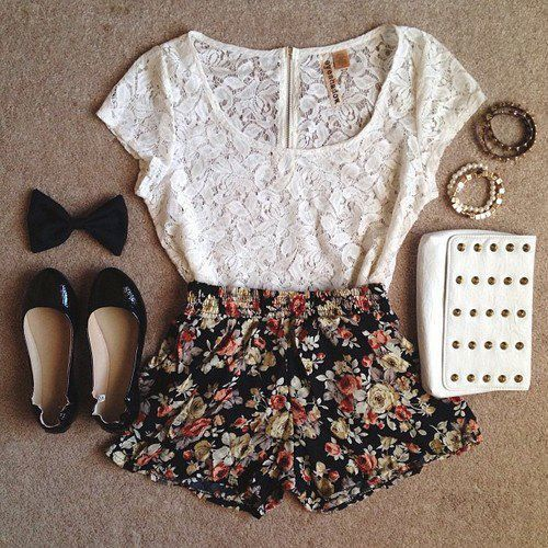 Lace Top and Floral Printed Shorts
