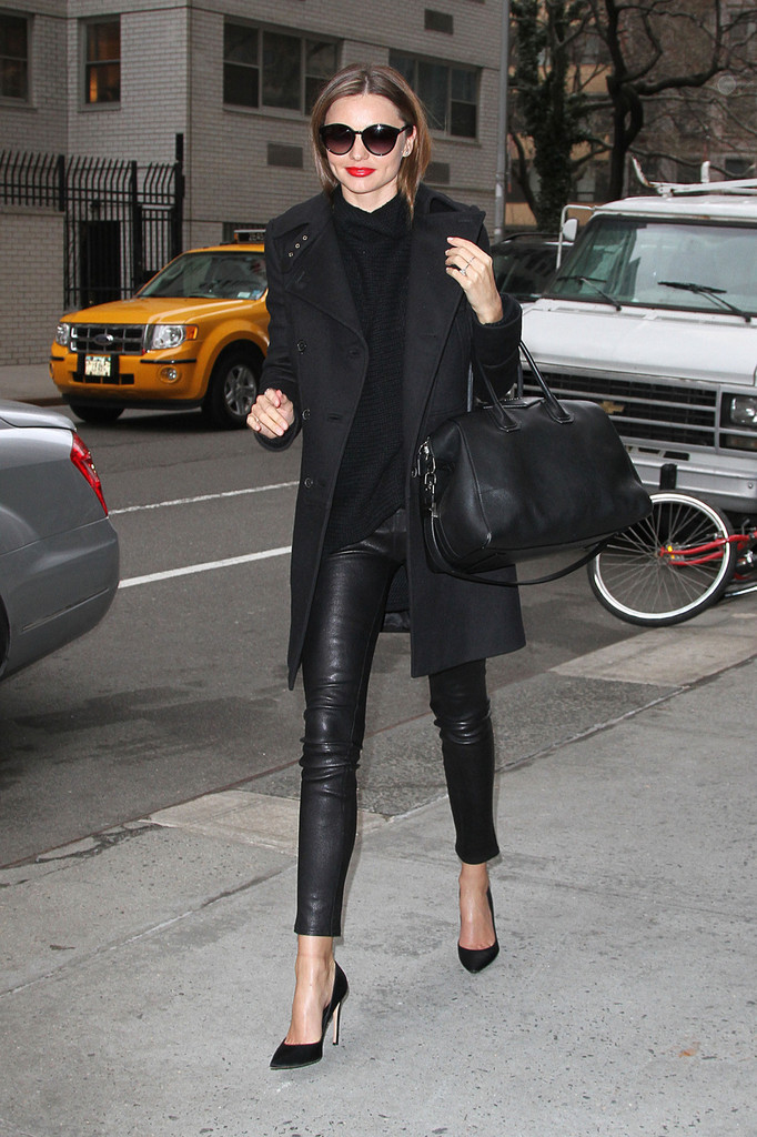 Miranda Kerr Black Basic