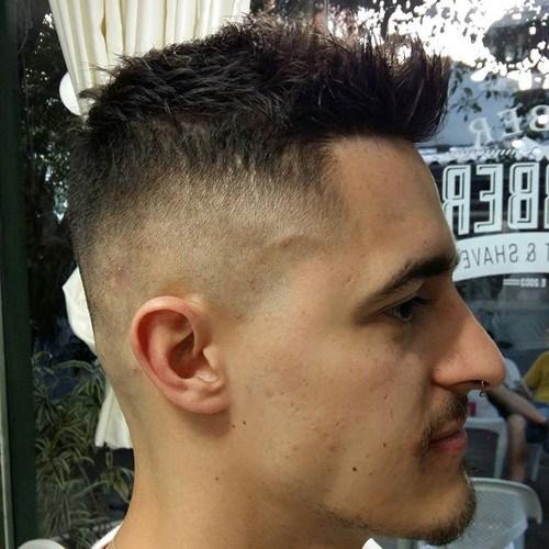 25 Hottest Faux Hawk Hairstyles for Men Populaire kapsels  Faux Hawk
