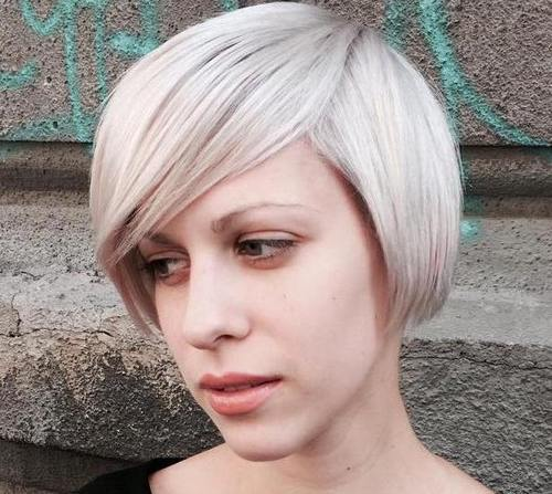 20 Trendy Grey & Silver Hairstyles for Spring Kapsels  Zilveren haarstijlen Short hair long beach Human hair color hairstyles Hair fashion Culture braid Bob Hairstyles Bob cut Aesthetics Achieving