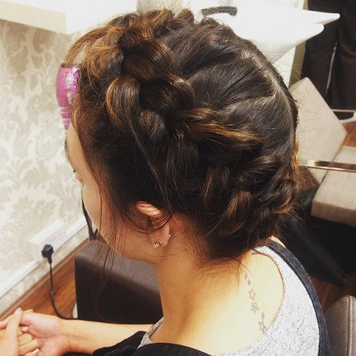 20 Best Milkmaid Hairstyles Pretty Milkmaid Braid For