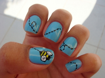 15 cute nail art designs you will fall in love with pretty designs busy bee prinsesfo Choice Image