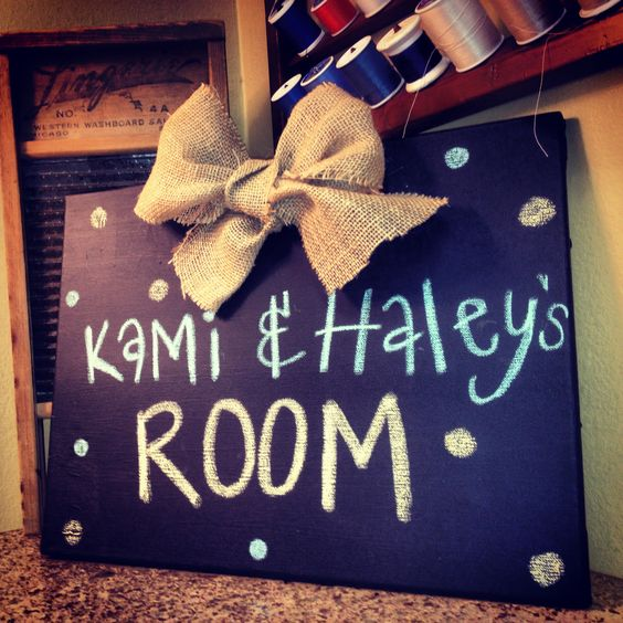10 Dorm Room DIYs To Make Your Room Feel Homey