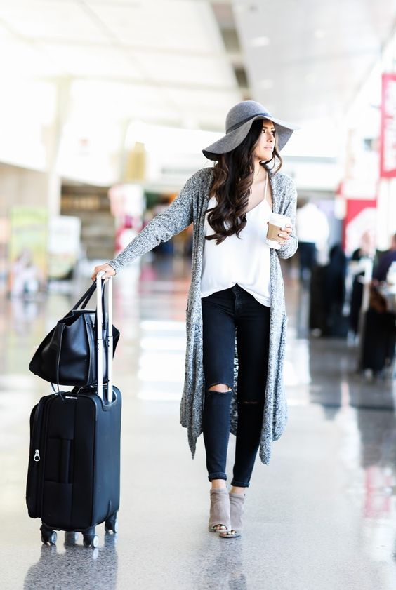 13 Comfy Outfits For Travelling