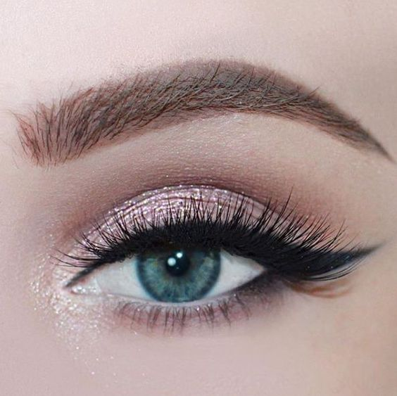 5 Tips on How to Apply a Perfect Shimmer Summer Eye Look - Pretty Designs
