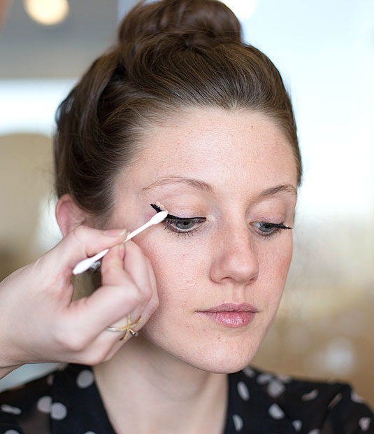 5 tips on how to apply graphic eyeliner graphic eyeliner designs q tips are your friend ccuart Image collections