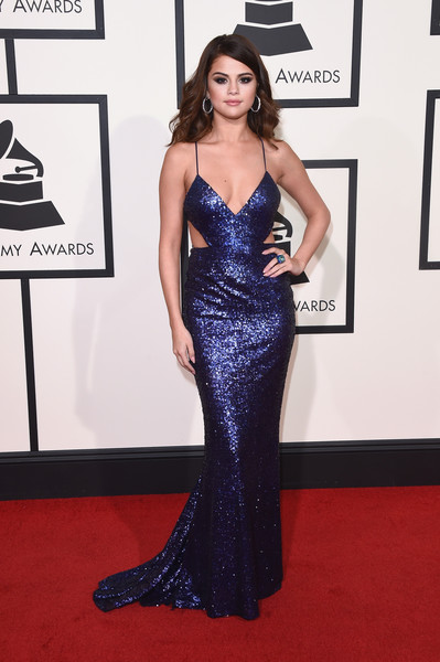 8 Selena Gomez Looks You Can Rock Too