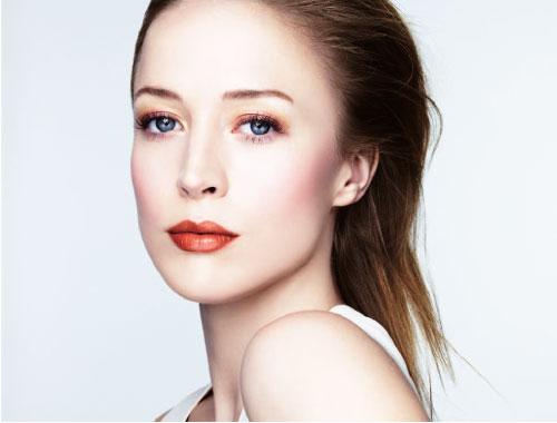 5 Tips on How to Rock Monochrome Makeup Beauty  verzinnen Monochrome lipstick Lip gloss fashion Eye shadow Cosmetics Consumer goods Aesthetics