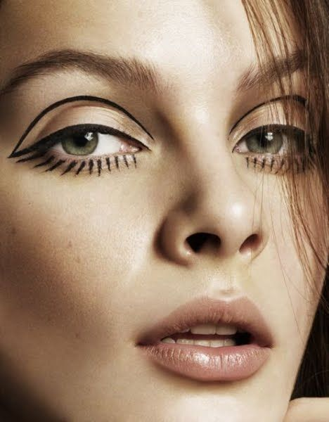 cut-crease-eyeliner