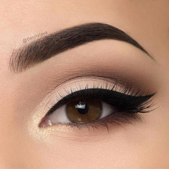 Tips On Blending Great Colors With Beige: 5 Tips On How To Blend Eyeshadow Seamlessly