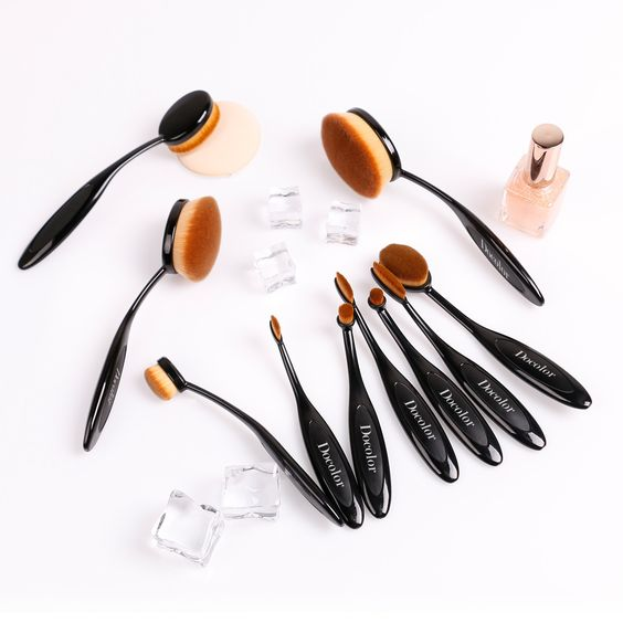 7 Reasons to Buy Oval Makeup Brushes