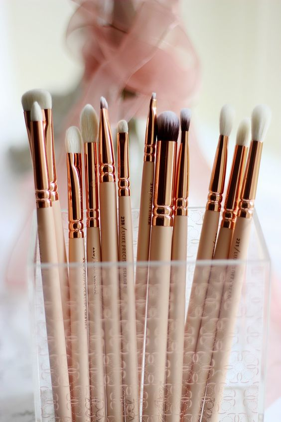 7 Tips For Cleaning Your Makeup Brushes