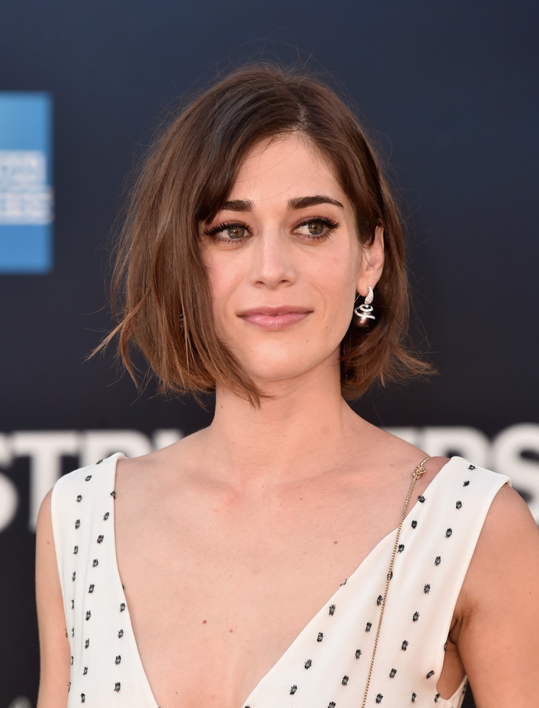 Lizzy Caplan Nude Photos 40