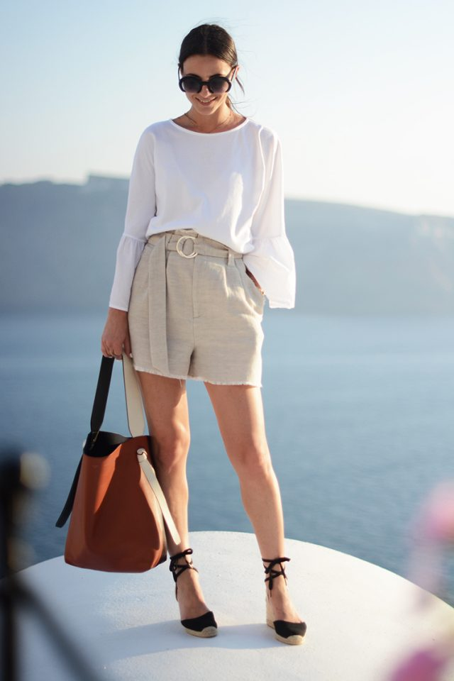 20 Pretty Ideas for Wearing Summer Shorts - Pretty Designs