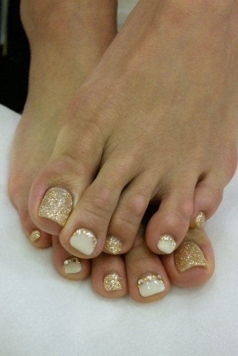 Sand Toe Nails via