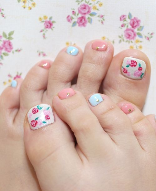 Toe Nails with Small Flowers via