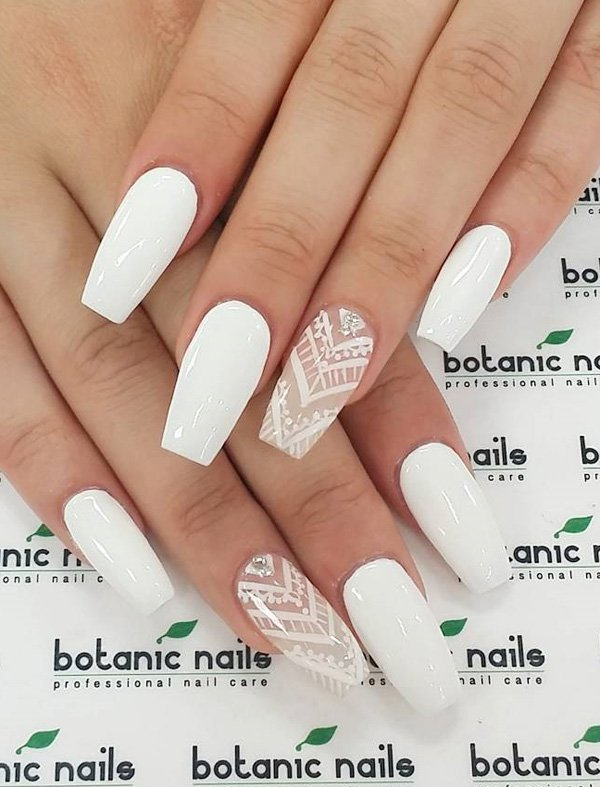 White Patterned Floral Nails via