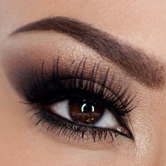 5 Tips to Fake Long, Thick Eyelashes (Without Falsies ...
