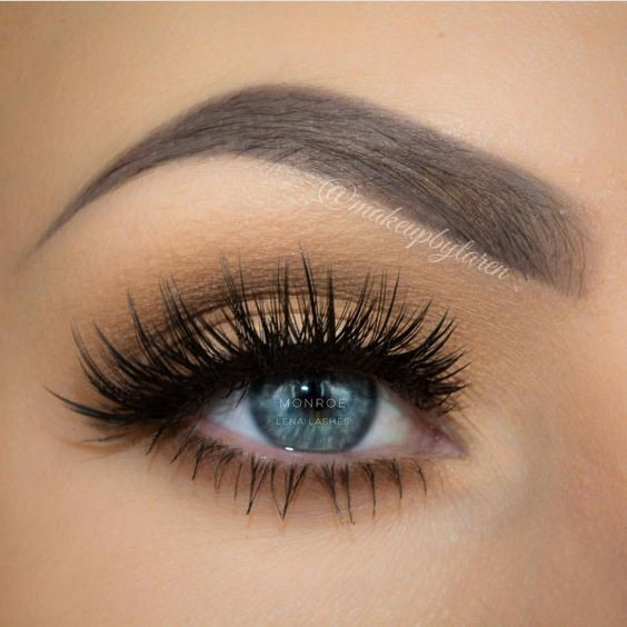 5 Tips to Fake Long, Thick Eyelashes (Without Falsies)