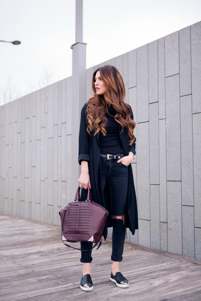 All-back Outfit via