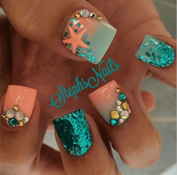 Beach Nails via