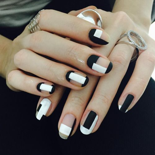 Black and White Nails via