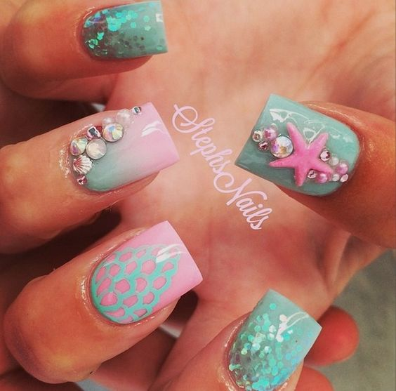 Pretty Ocean Nails via