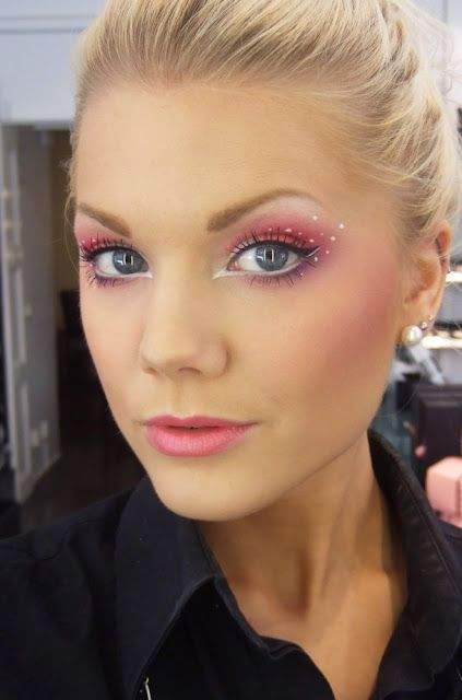 How To Apply a Fairy Makeup Look