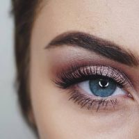 How to Use Loose Powder Eyeshadow