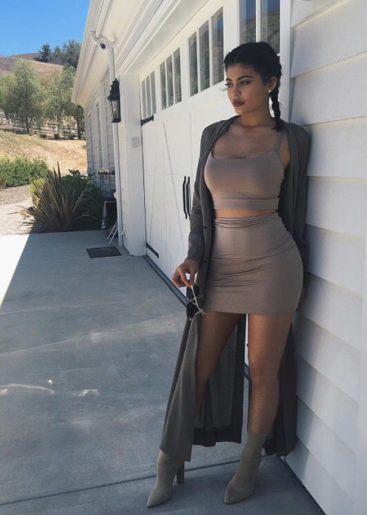 20 Outfit Ideas That Look Great On Women With Big Boobs - Outfits 2017-1227