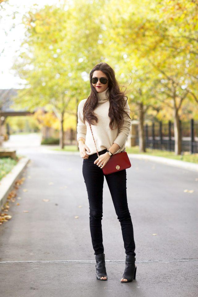 beige-turtleneck-and-black-skinny-pants via