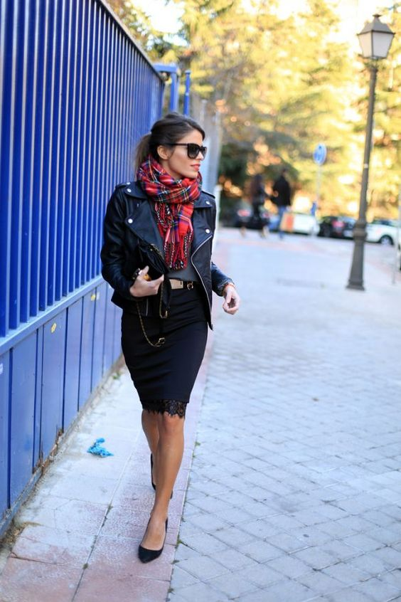 black-outfit-and-plaid-scarf via