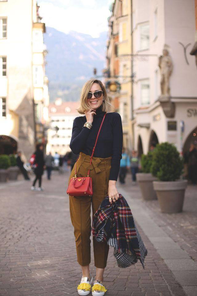 black-top-and-mustard-pants via