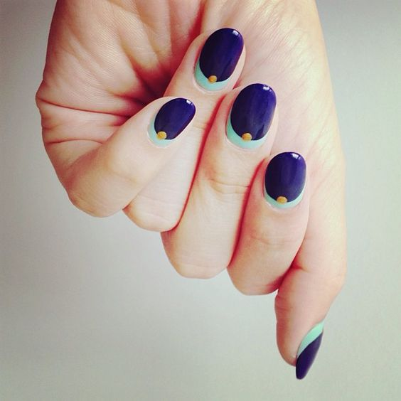 Deep Blue and Mint Green Nails via