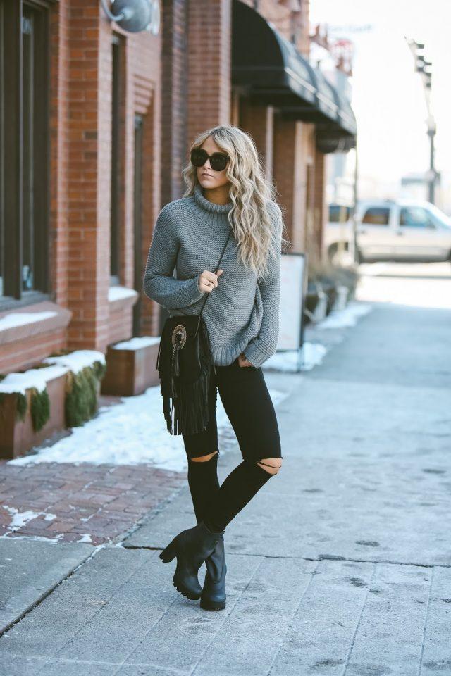 grey-turtleneck-sweater-and-skinny-jeans via