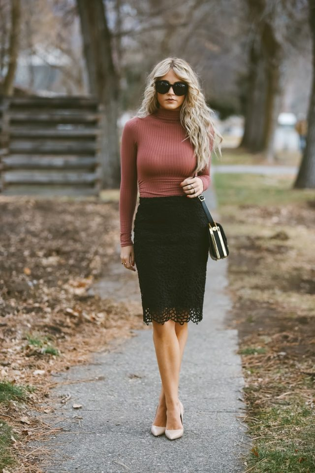 red-turtleneck-and-pencil-skirt via