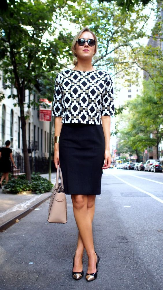 stylish-work-outfit-with-black-skirt via