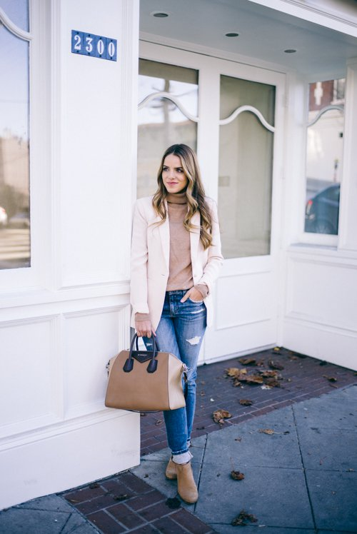 turtleneck-sweater-and-ripped-jeans via