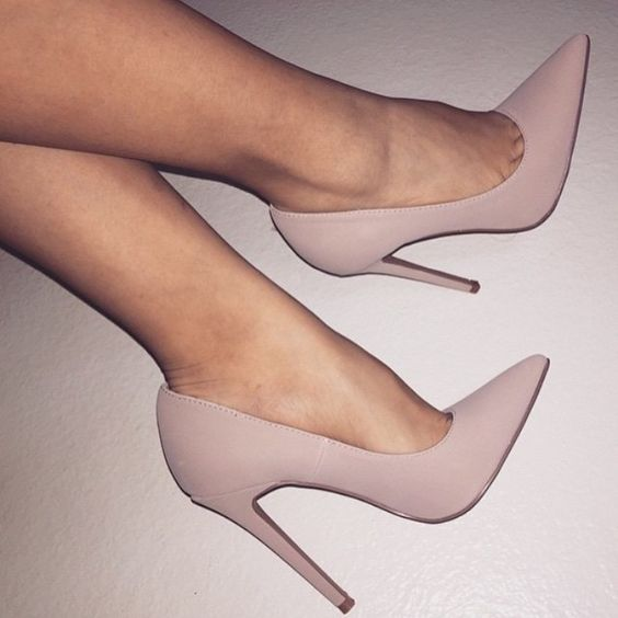 How to Wear High Heels Effortlessly
